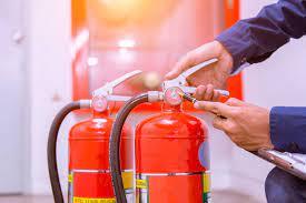 ¿Cualquiera puede hacer el mantenimiento de equipos de protección contra incendios?