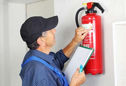 Revisión trimestral de los sistemas contra incendios, ¿son obligatorias?